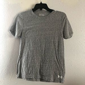 Under Armor semi fitted work out tee